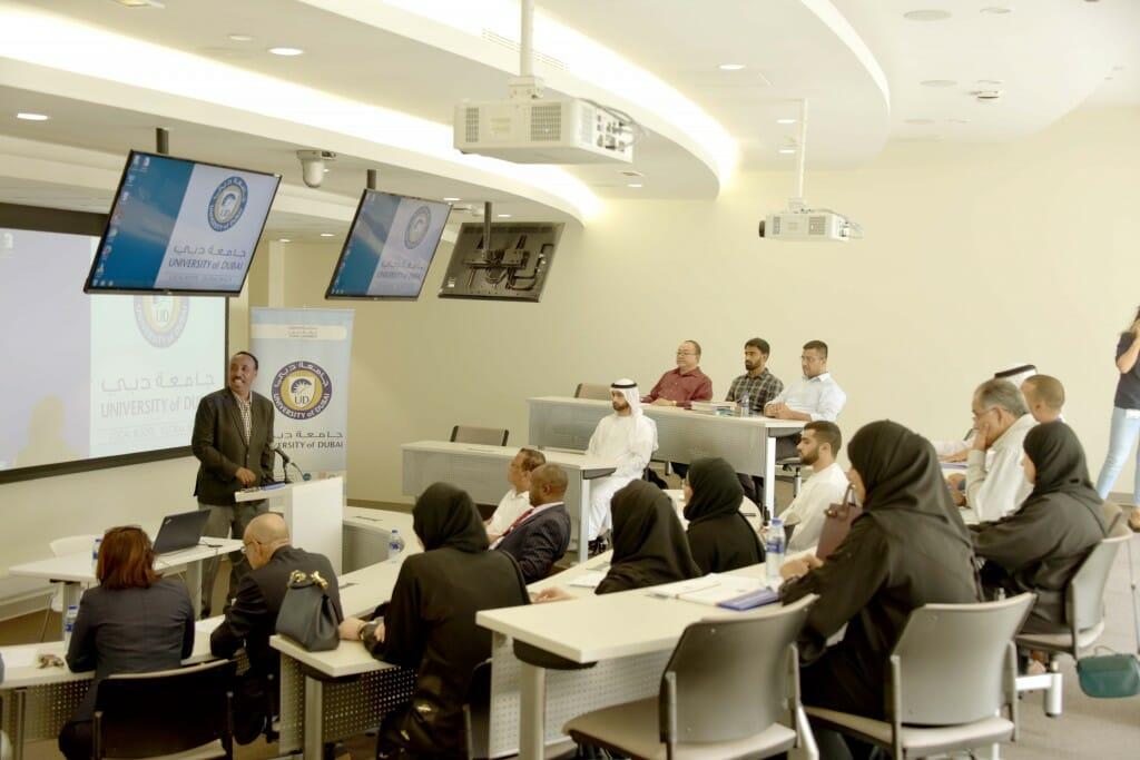 بدأت الدفعة الرابعة من برنامج الدكتوراة الذي تنظمه جامعة دبي منذ اربع سنوات في مجال إدارة الأعمال.