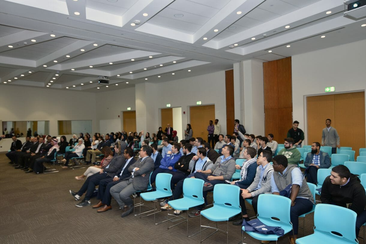 """نظمت جامعة دبي بالتعاون مع معهد مهندسي الكهرباء والإلكترونيات - فرع الإمارات، مسابقة """"التصوير الرقمي للطلبة""""."""